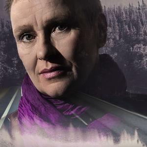 Toimittaja Leena Häkkinen maisemassa