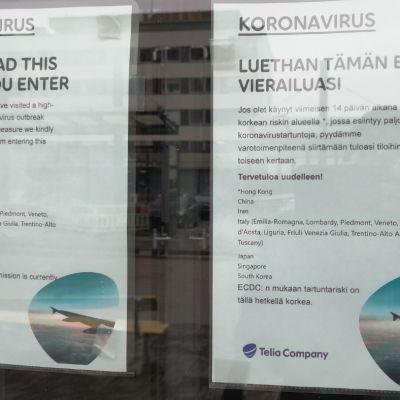 Ilmoituslappu Telian konttorin ovessa Jyväskylässä.