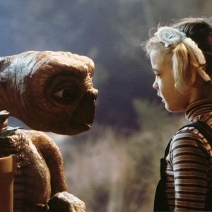 E.T. - The Extra Terrestrial. Ohjaus Steven Spielberg.