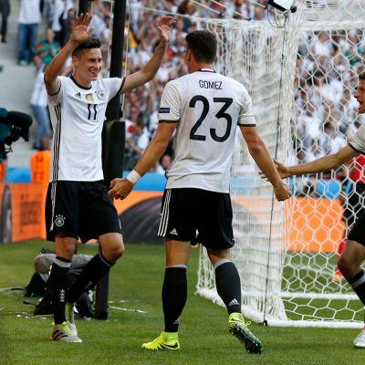 Saksa juhlii maalia.
