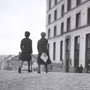 Koululaiset keräsivät alkupääoman Suomen Kulttuurirahastolle.
