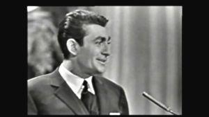 Jean-Claude Pascal sjunger i Eurovisionen år 1961.