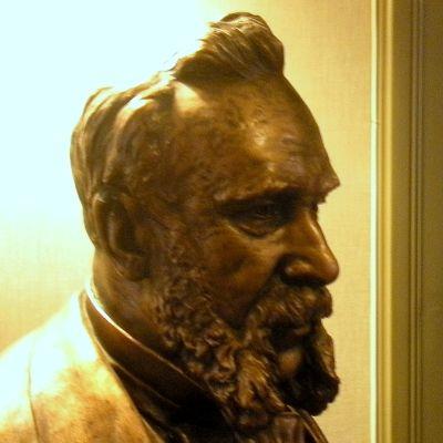Axel Wilhelm Wahrenin patsas Forssassa