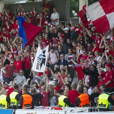 Fotbollsfinland är överens, HIFK har landets bästa supportrar.