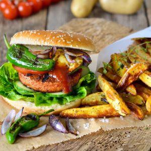 Bild på portion med vegetarisk hamburgare.