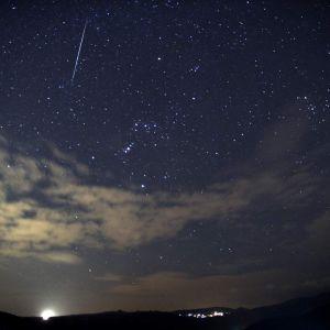 Bild av nattlig stjärnhimmel.