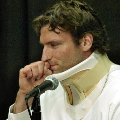 Steve Mooren pelaajaura päättyi 2004 saatuun iskuun.