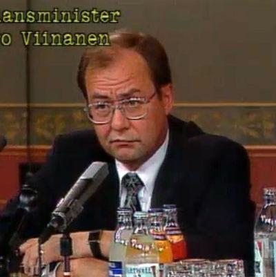 Iiro Viinanen, Finlands finansminister 1993