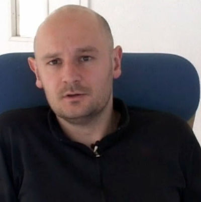 En bild på den Norska författaren Erlend Loe