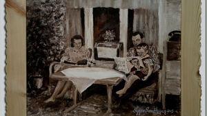 Perhe kuuntelee radiota. Maalaus