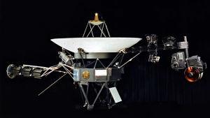 """Voyager-luotain jossa """"golden record"""""""