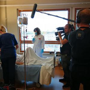 Elossa 24h - kuvausryhmä Turun yliopistollisessa keskussairaalassa