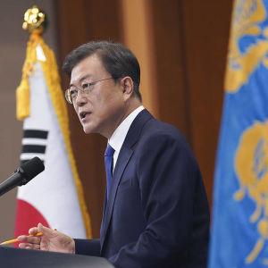 Moon Jae-in puhumassa.