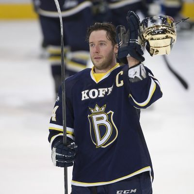Kim Hirschovits, Bluesin kapteeni 26.3. 2015