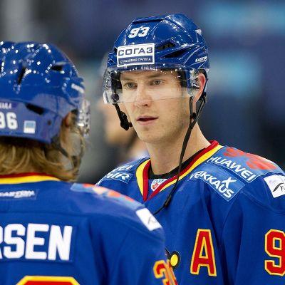 Philip Larsen ja Peter Regin kuvassa