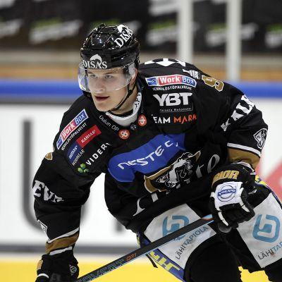 Jesse Puljujärvi kuvassa