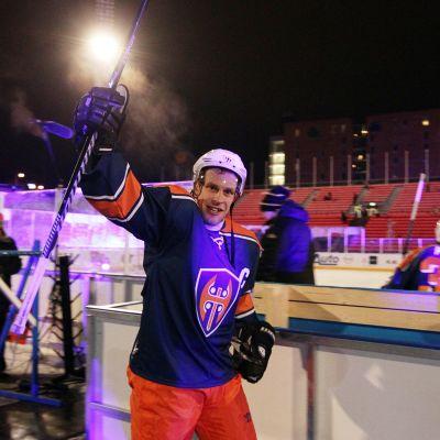 Ville Nieminen poistui kaukalosta voittajana.