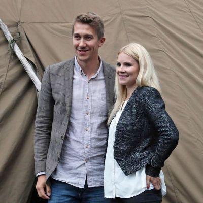 Jussi Vatanen ja Pamela Tola Napapiirin sankarit 2 -elokuvan ensi-illassa Ylläksellä