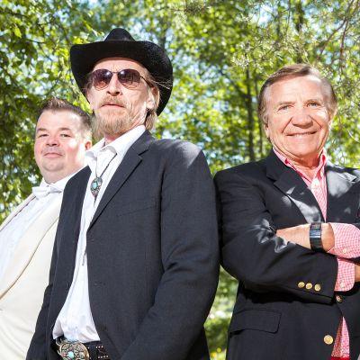 Jani Koskinen, Ilkka Koivula ja Eino Grön Valoa yössä-musikaalin tähtinä