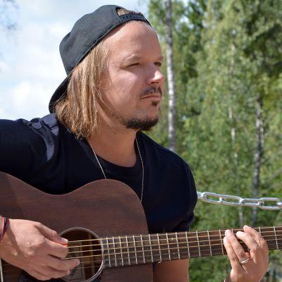Jukka Poika.