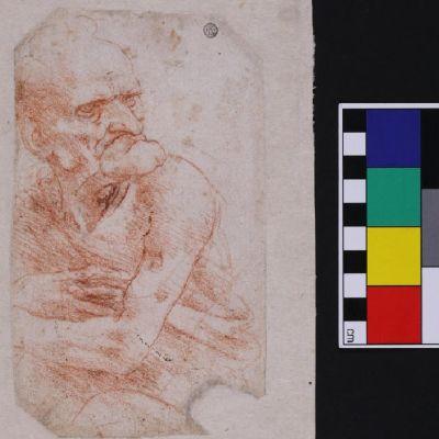 Piirros vanhasta miehestä ja sen vieressä mitta, joka osoittaa korkeudeksi noin 20 senttiä.