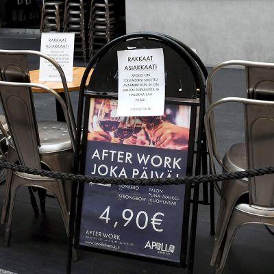 Suljettu Apollo Street Bar ravintola Helsingissä 8. maaliskuuta 2021.