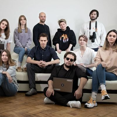 Venäläisen iStories-lehden työntekijät.