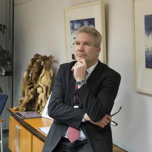 Kriminalöverkommissarie Timo Piiroinen leder Centralkriminalpolisens Cyberbrottsbekämpningscentral