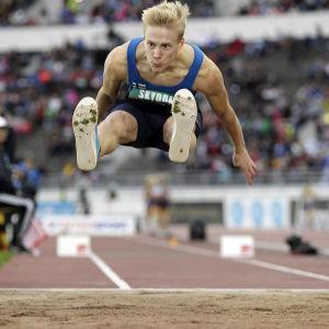 Kristian Pulli hoppar längd, Sverigekampen 2014.