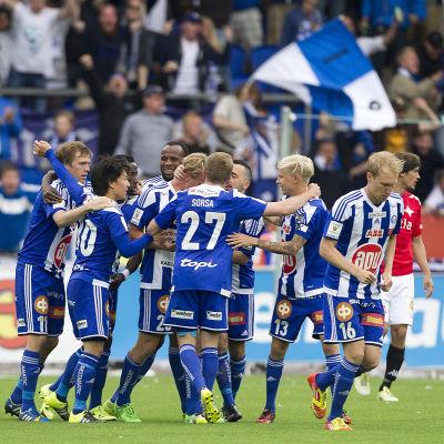 HJK firar mål mot HIFK.