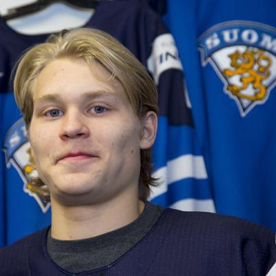 Kasper Björkqvist avslutar juniorlandslagskarriären med kvalmatcher mot Lettland.