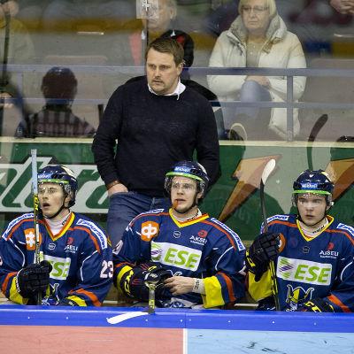 Antti Pennanen och hans Jukurit imponerar sannerligen inte i slutspelet i Mestis.