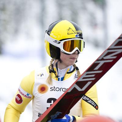 Julia Kykkänen.