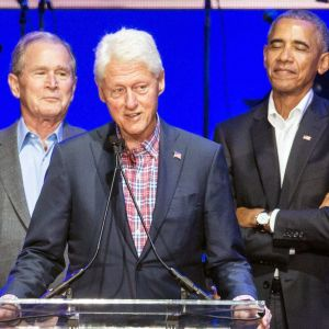 Gruppbild på Bush, Clinton och Obama.