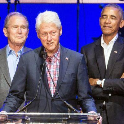 Gruppbild på Bush, Clinton och Obama.