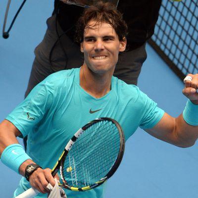 Rafael Nadal tuulettaa voittoa