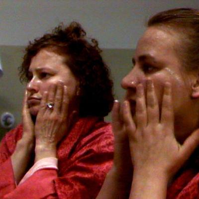 Lumikit tv-elokuva kertoo naisten elämästä.