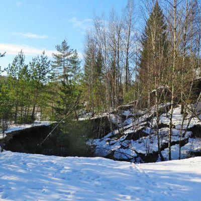 Maansortuma Kiskon Aijalassa.