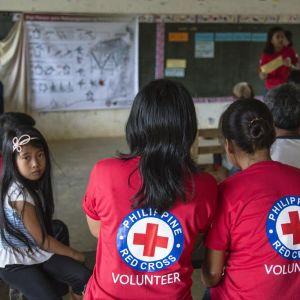 Röda Korsets frivilligarbetare i Filippinerna