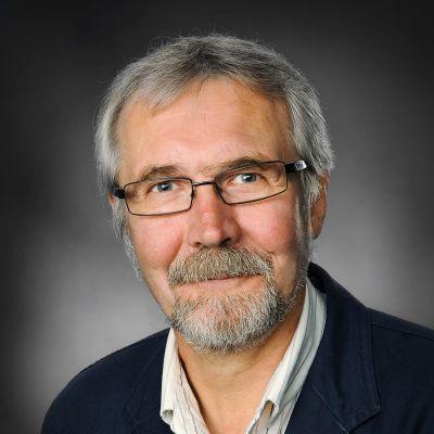 Vaasan kaupunginhallituksen puheenjohtaja Seppo Rapo (kok.)