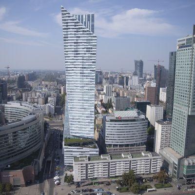 Pilvenpiirtäjät ovat tulleet Varsovaan. Ja lisää valmistuu.