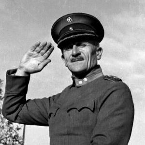 Hevosten kouluttaja, eversti Viljo Forssell