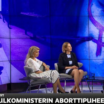 Ulkoministerin aborttikanta ristiriidassa Suomen linjan kanssa