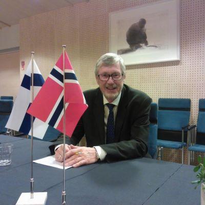 Norges ambassadör Jörg Willy Bronebakk på besök i Karleby 19.11.2014.