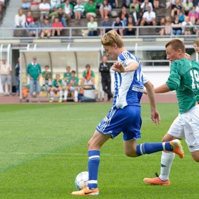 Ekenäs IF och HJK möttes i finalen i B15 i Helsinki Cup år 2014.