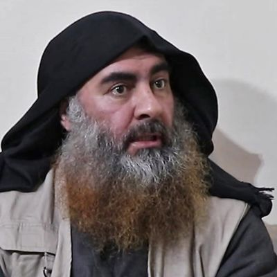 Abu Bakr al-Baghdadi på en skärmdump från en video som IS offentliggjorde i april.