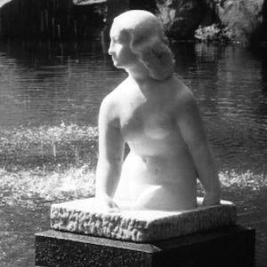 Wäinö Aaltosen Kahlaaja-patsas.