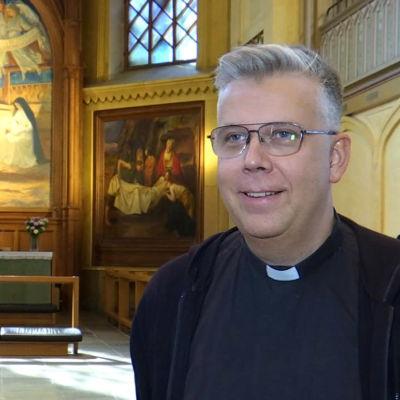 Kyrkoherde Mikael Forlsund från Vasa svenska församling.