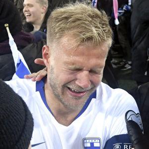 Teemu Pukki gråter