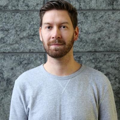 Jonas Sundström arbetar för Svenska Yle - Radio Vega Västnyland